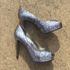 Sparkly Guess Pumps